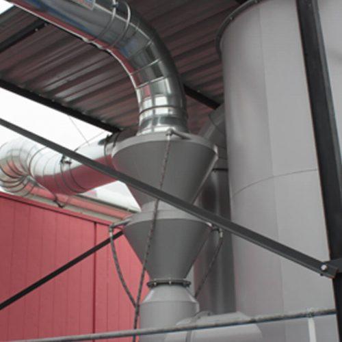 Realizzato impianto per l'aspirazione e filtrazione di polveri con gruppo VENTURI